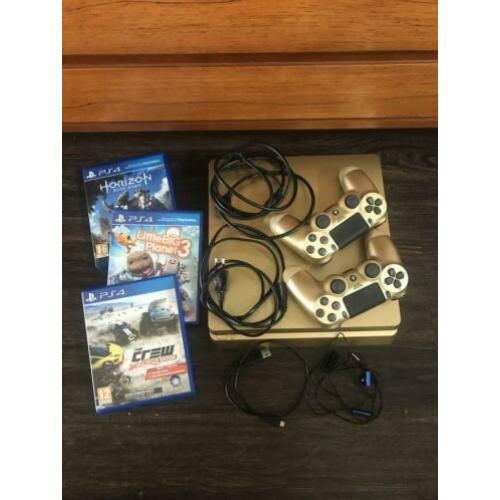 PlayStation 4 (Slim) 500 GB Goud + 2 controllers en 3 games
